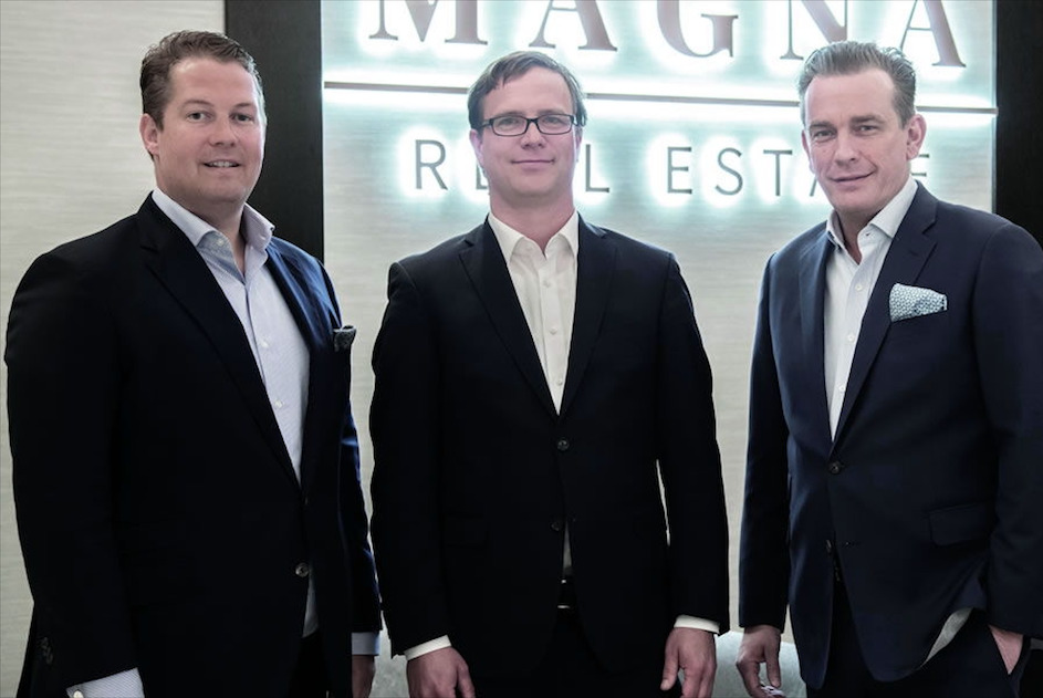 Von links nach rechts: MAGNA Real Estate Vorstand David Liebig (38) aus Seevetal, MAGNA Care Geschäftsführer Tim Daniel Sauer (40) aus Aumühle und MAGNA Real Estate Mehrheitsgesellschafter und Vorstand Jörn Reinecke (49) aus Hamburg © Pressefoto MAGNA.ag