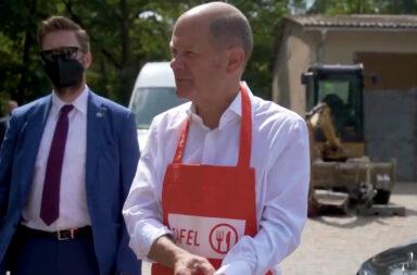 SPD-Kanzlerkandidat, Vizekanzler und Bundesfinanzminister Olaf Scholz (63) besuchte am ersten August-Wochenende in seinem Wahlkreis Potsdam die Armen-Hilfsorganisation TAFEL © twitter.com/Olaf Scholz