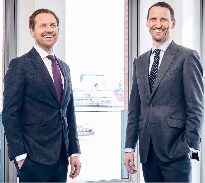 Die beiden Vorstände der Aves One AG: die Diplomkaufmänner Tobias Philip Aulich (39, links) aus Hamburg und Sven Meißner (41) aus Lüneburg © Geschäftsbericht Aves One AG für 2020