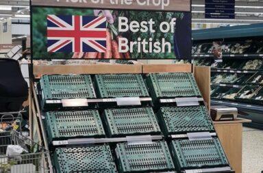 """Pustekuchen mit """"Ernte die Ernte. Das Beste aus Großbritannien"""". James Withers, CEO der Scotland Food & Drink twitterte am 27. August 2021: """"Thema Arbeitskräftemangel. Die Situation ist äußerst ernst. Und wenn die Regierung nichts unternimmt, wird sie sich sehr bald noch verschlimmern. Einige britische Lebensmittelversorgungsketten sind jetzt am Rande der Belastungsgrenze. Und, ja, Weihnachten ist in Gefahr."""" © Twitter James Withers 27. August 2021"""