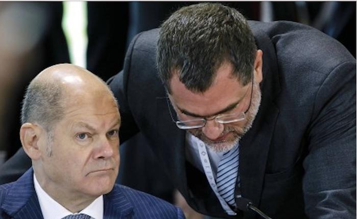 Olaf Scholz und sein Twitter-Terminator Staatssekretär Wolfgang Schmidt, beide SPD © Twitter/Bundesfinanzministerium