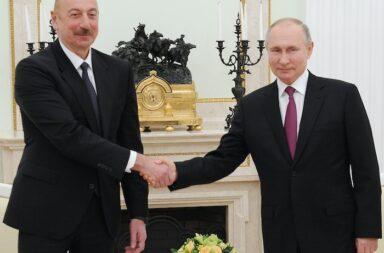 Aserbaidschans Präsident Ilham Alijew (59, links) aus Baku am 11 Januar 2021 bei einem Arbeitsbesuch beim russischen Präsidenten Wladimir Putin (68, rechts) im Kreml © Offizielles Pressefoto Präsident Aserbaidschan